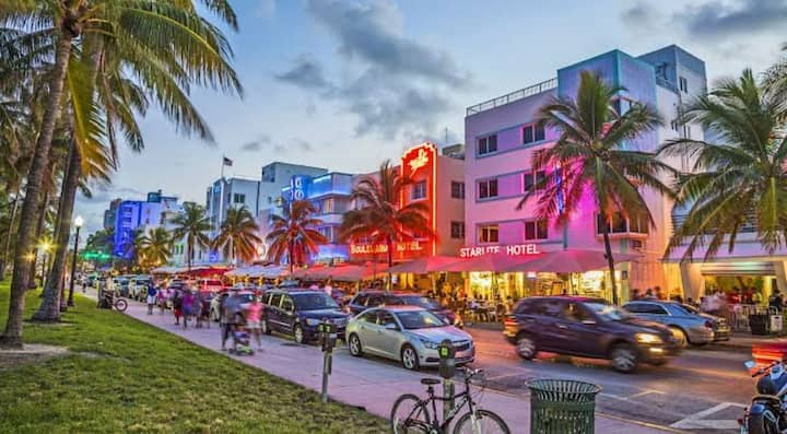 THE BEST PLACE IN THE HEARTH ❤️ OF MIAMI BEACH !