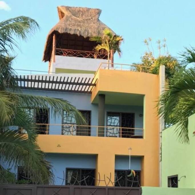 Streetview of Casa Loreto.