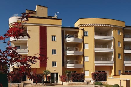 1 Bedroom Apts in Umag #1 - Umag