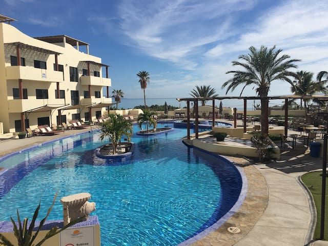 Club Cerralvo poolside villa 4