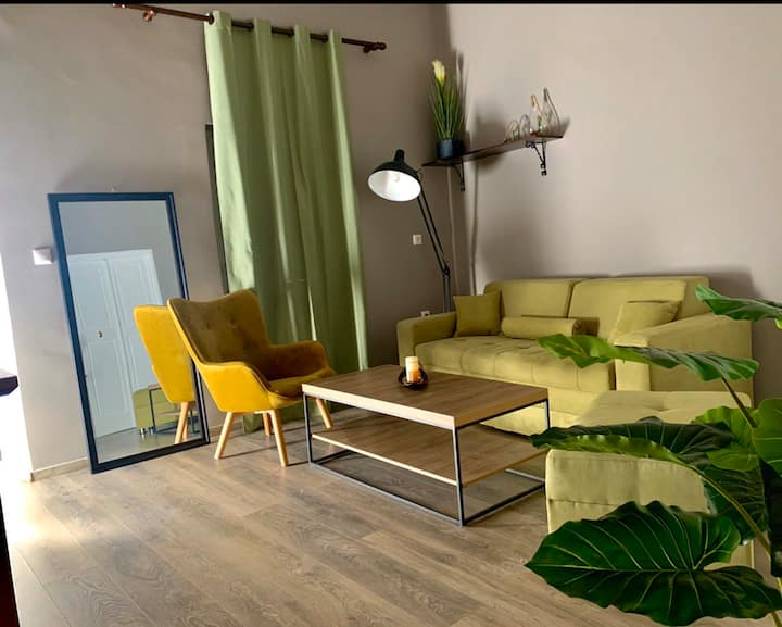 Old town  apartment manos