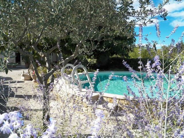 Holiday house in Saint-Didier, Vaucluse, private pool