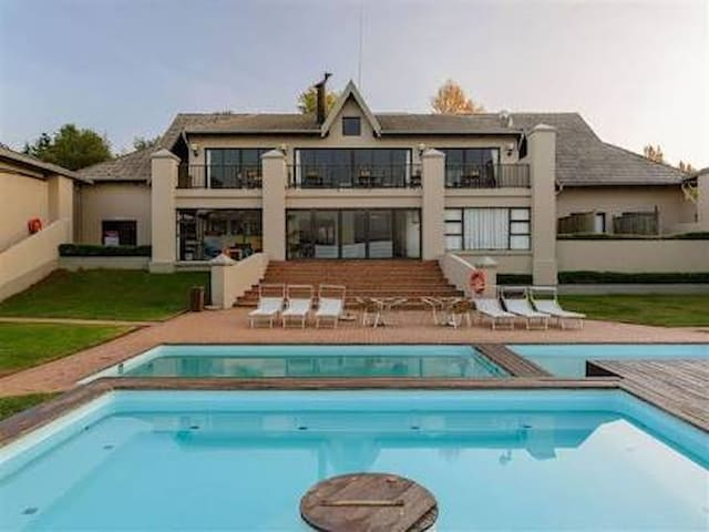 Cayley lodge holiday home Central Drakensburg