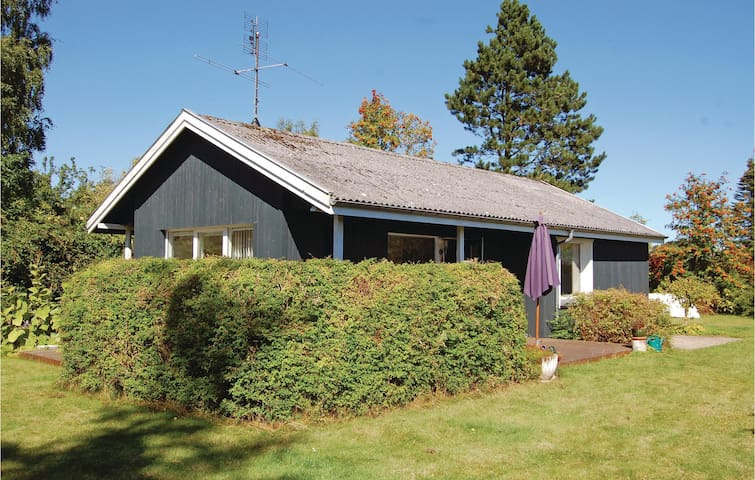 Holiday cottage with 3 bedrooms on 64 m² G10685