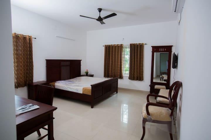 Beautiful & Vast Bedroom