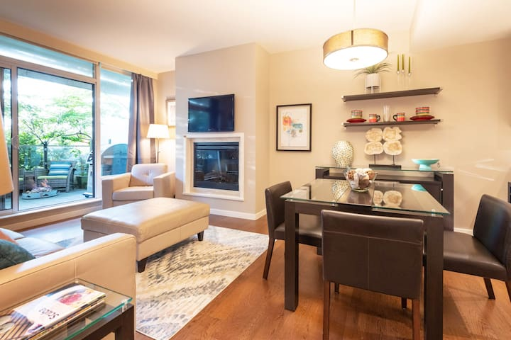 Ready to Entertain. The living area can easily accommodate visiting family and friends.
