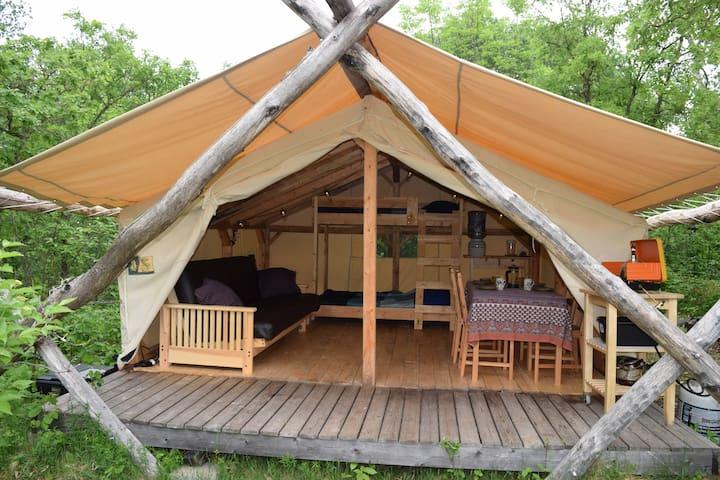 Dandelion Lake Access TentCabin @WildWoodsHideaway