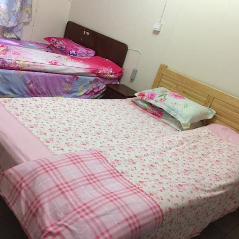 成都艳阳家庭旅馆 - Liangshan - Serviced apartment