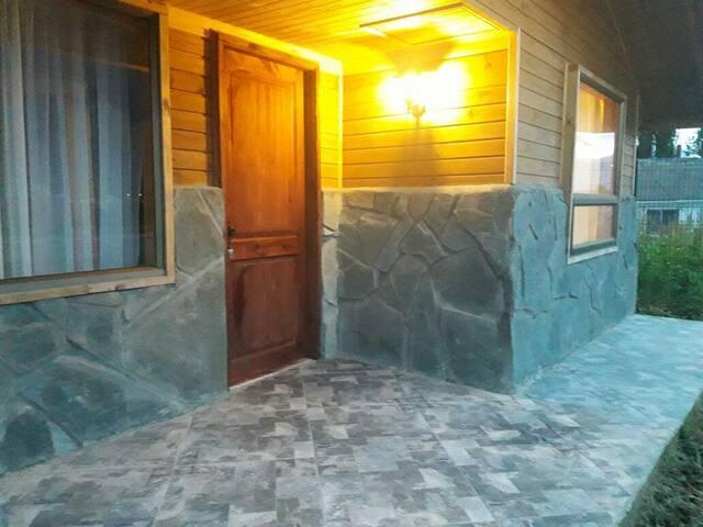 Cabaña 1 dormitorio amoblada L2