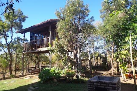 Casa da árvore, em meio à natureza - Brasília - Puumaja