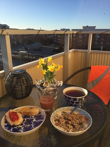 Bright cozy apartment close to everything you need - Lidingö - Apartment