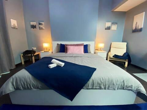 Insta-worthy Studio w/ Queen Bed + Amazing View