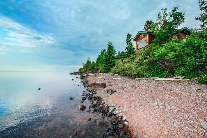 Opels Cabin 1 is great for folks that like to watch the moon light shimmer on Lake Superior