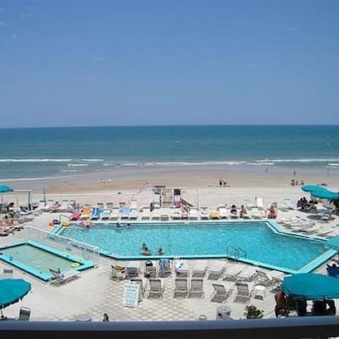 Ocean East Resort Club Oceanfront w/balcony - Ormond Beach - Lägenhet