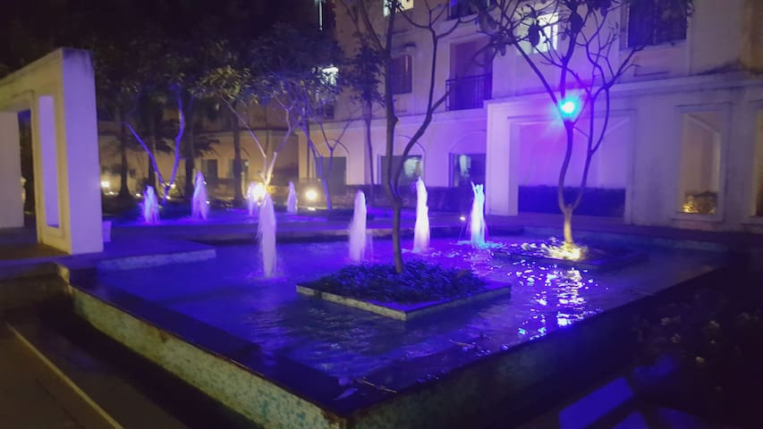Fountain In Front Of Gold Block G 61