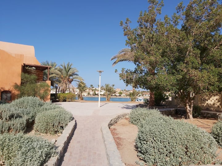 ★Bright & comfy 2BR+Private terrace. Walk to beach