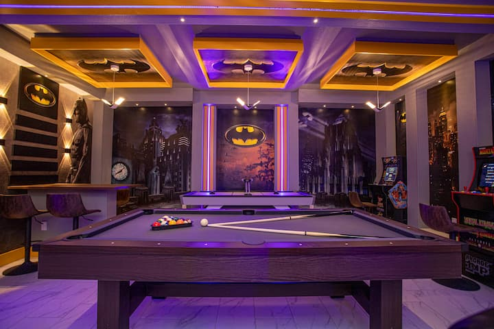 LARGE VILLA* Private Pool *GAME ROOM* Theater
