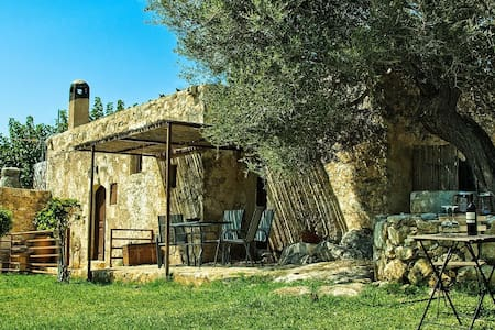 Elia House-Traditional house Aptera