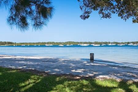 Port Stephens beachside wonder - Salamander Bay