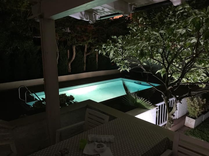 Villa con piscina privata a Lido di Cincinnato