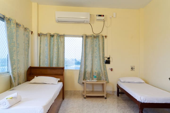 Serenity Homes (Penthouse) - Puducherry - Apartamento