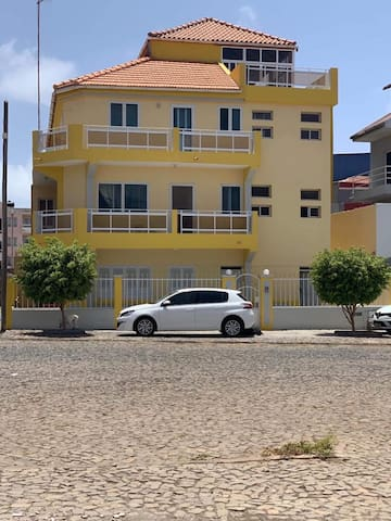 Large apartment close to the sea and the city