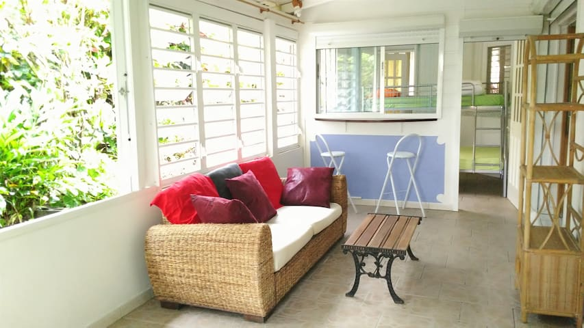 Charming apartment with all comfort private garden - Le Lamentin - Apartament