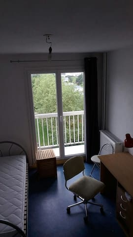 Chambre en appartement en coloc - Rennes - Appartement