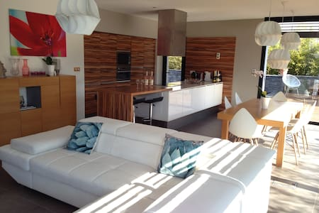 Appartements maisons et villas avec piscine jacou airbnb for Piscine jacou