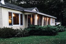 """Private """"Yellow Cottage"""" 15 Min to Belleayre!"""