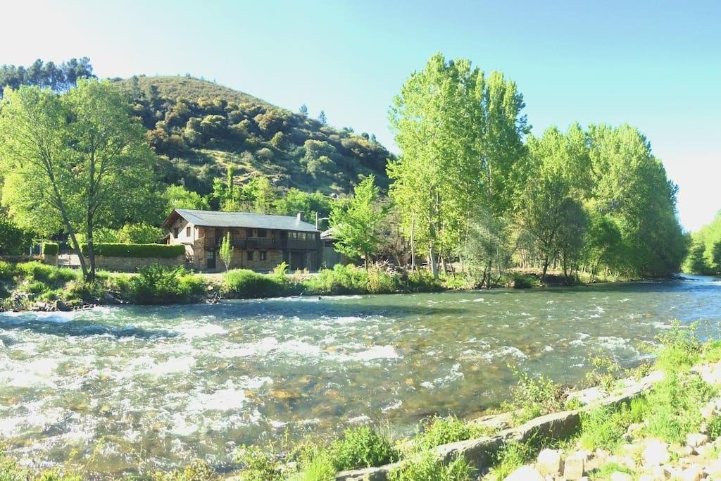 Cacabelos villabuena el bierzo casas rurales en alquiler en cacabelos castilla y le n - Casa rural bierzo ...