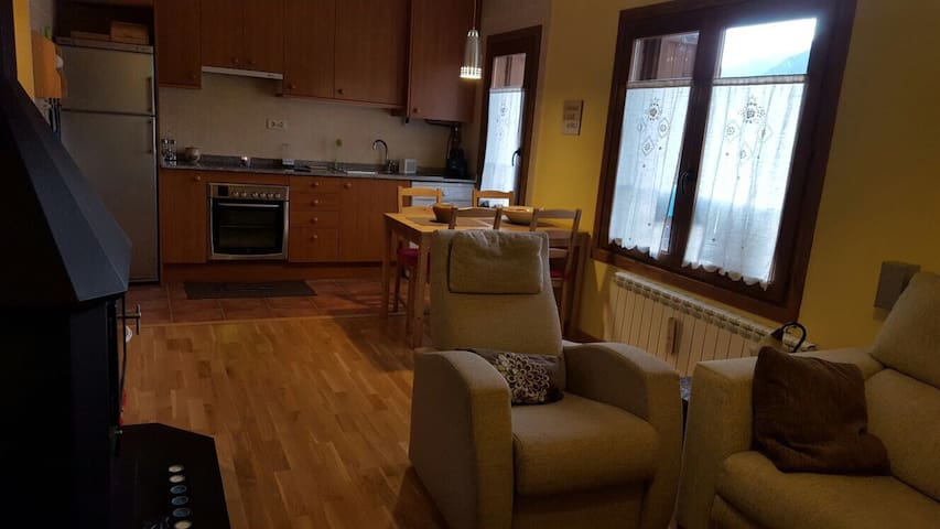 Apto. Espectacular zona inmejorable - Tahull - Appartement