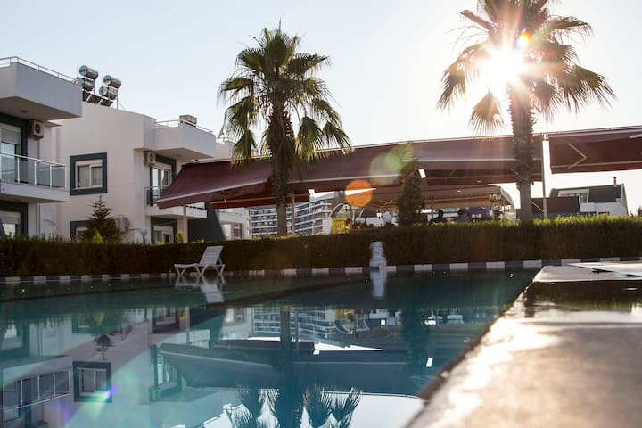 Antalya'da 8 yataklı 4+1 Kiralık villa - Aksu - Vila