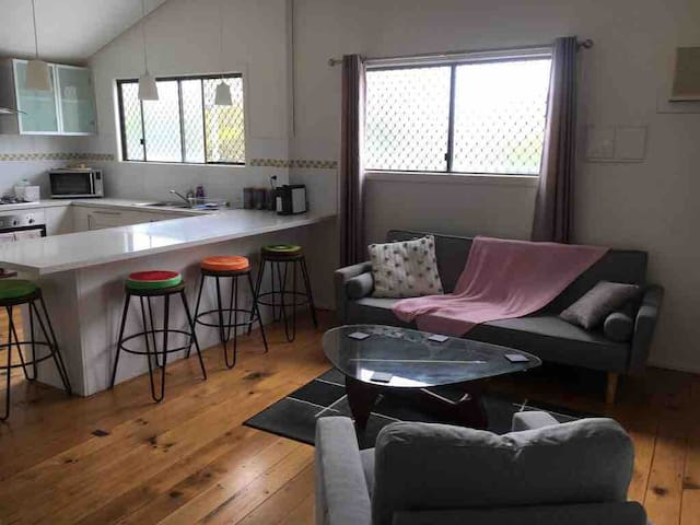 Cozy Family Home Full Aircon Sleeps 6 Close To All