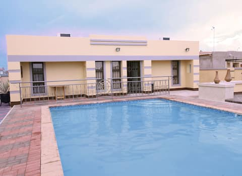 Acacia House - Your home away from home