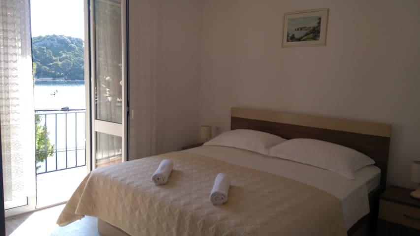 Apartment Maria 1/2 - MLJET island