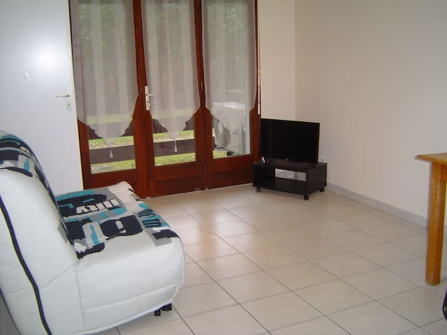 Appartement t1 30 m2 meubl appartamenti in affitto a for Garde meuble mont de marsan