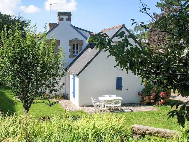 90 m² Holiday home in Crozon-Morgat