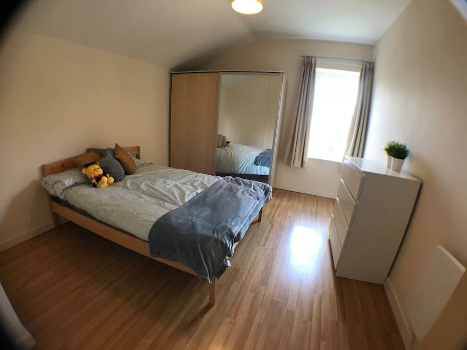 Bedroom 1 (Double Bed)