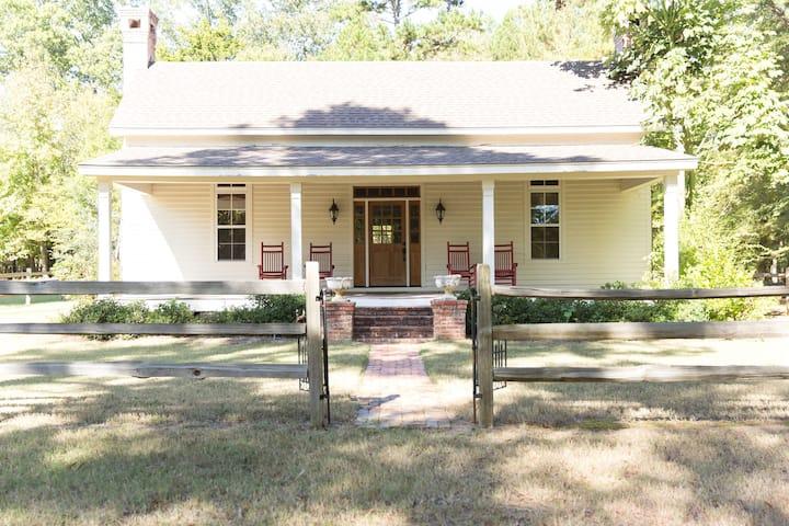 Concord Inn - 1867 Historical Home