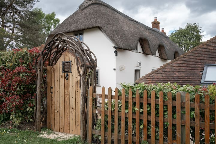 Thatched cottage annexe, West Heath, Hampshire.