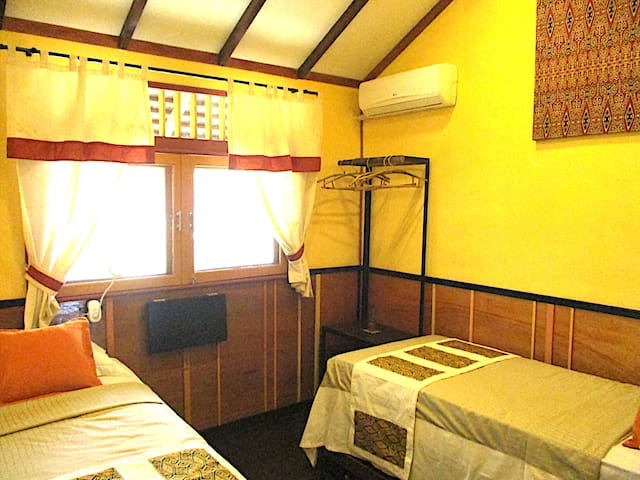 Borneo Escape - Eco Vilage Twin Room