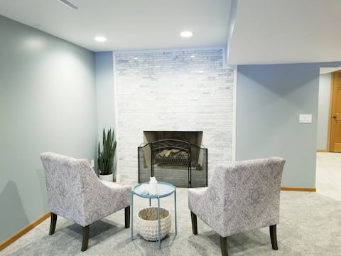 Private Basement Apartment-Verona