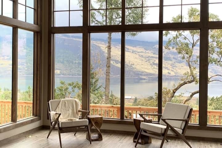 Brand New Mosier Bluff House -River View & Hot Tub