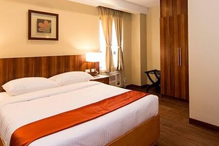 BKNG1 De Luxe Rooms - Baguio