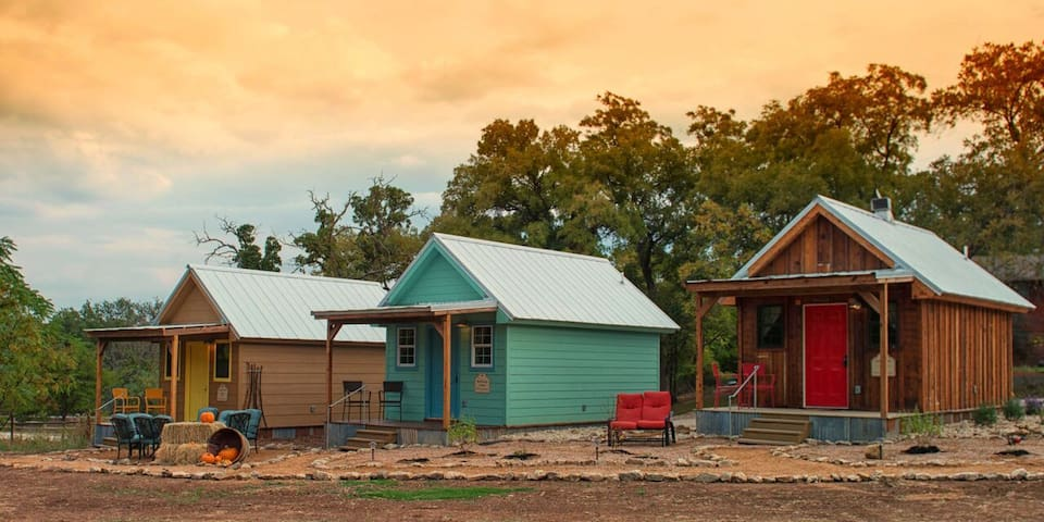 Peacock Cabins, Scooby Cabin - Gatesville - House