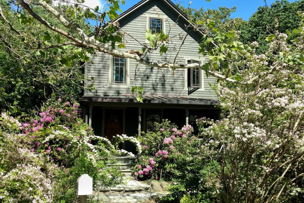 Renovated 1890s Woodstock Farmhouse Houses For Rent In