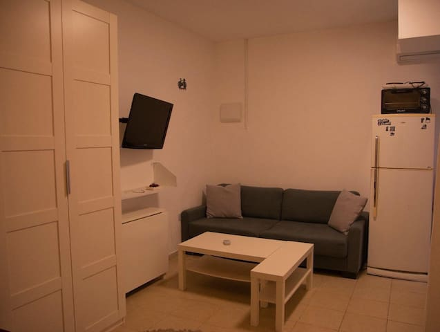 A nice and small studio  1 person or a couple