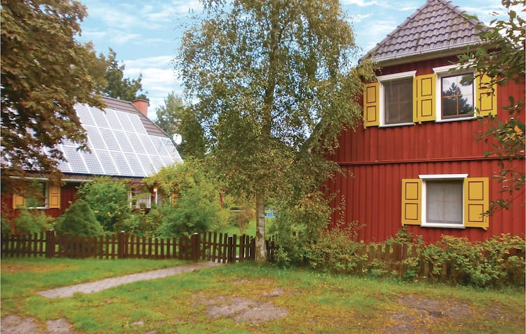 Holiday cottage with 3 bedrooms on 97 m² in Prerow