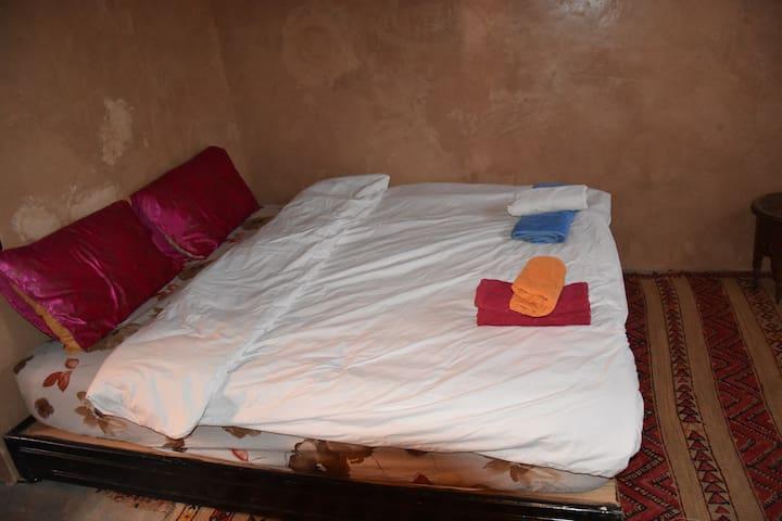 Dar Afra vallée Ait Bouguemez: Chambre Twin